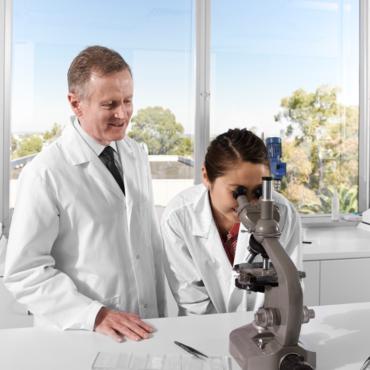 Meet Dr Geoffrey Heber Image